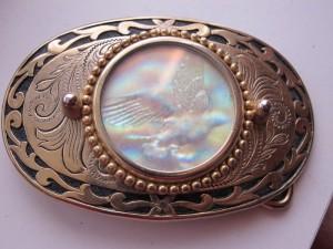 belt buckle hologram eagle design in center